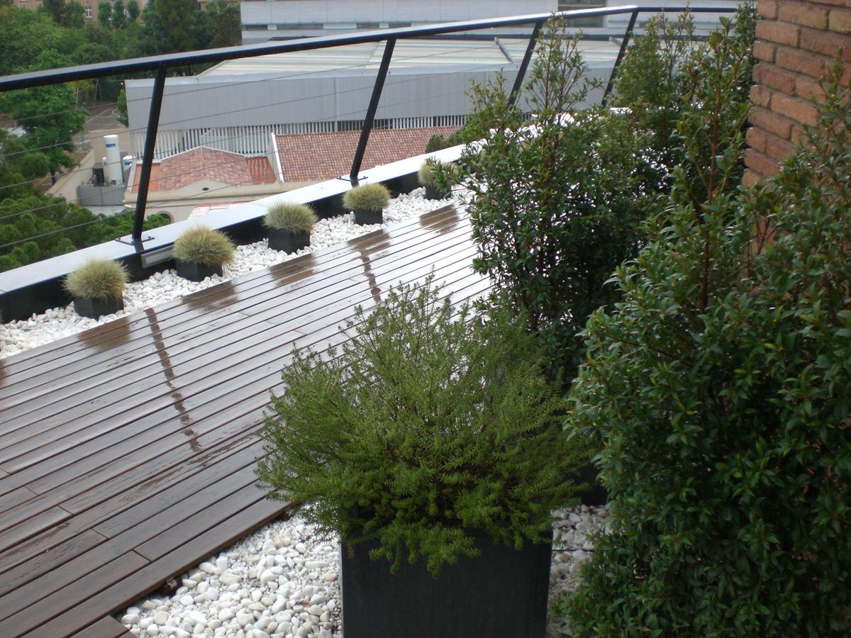Dise o de jard n en tico en barcelona proyectos de - Jardines en aticos ...