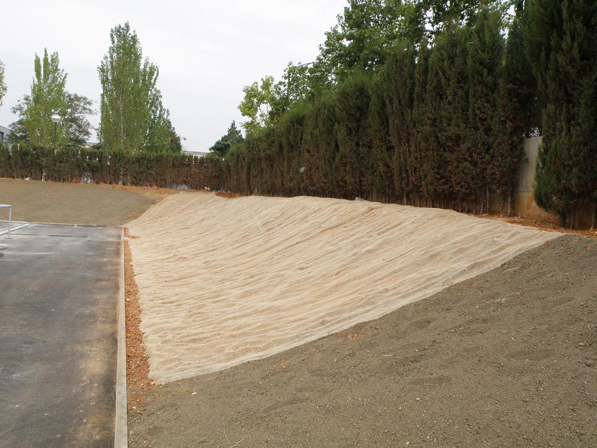 Campo de futbol la creu de sabadell proyectos de for Jardineria sabadell